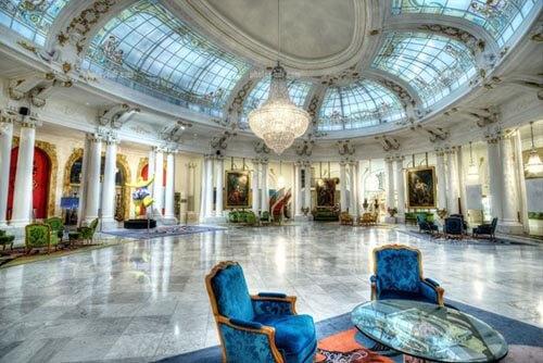 Hôtel Négresco : grand salon sous la verrière