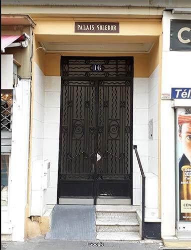 Porte de l'immeuble