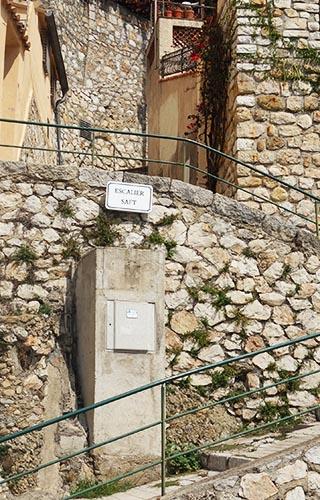 Circuits touristiques Roquebrune : escalier Saft