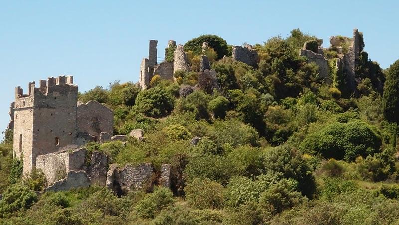 Ruines de Chateauneuf près d'Aspremont