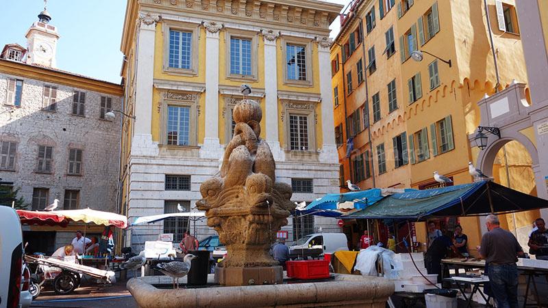Tour personnalisé : Place saint François à Nice (marché aux poissons)